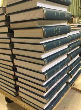 夏は図書館製本の季節です